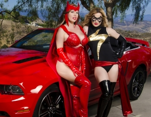 content/Miss-Marvel-VS-Scarlet-Witch/1.jpg